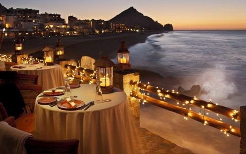 Romantic-Dining-600x375_large