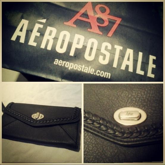 Aero wristlet